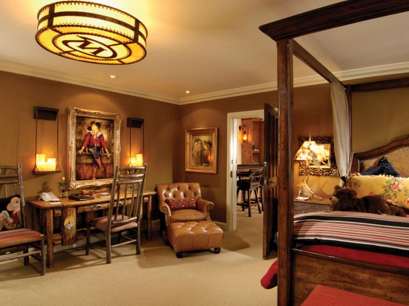 Top 25 Historic Hotels of America Most Magnificent Art Collections